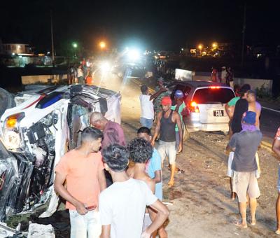 Three vehicle smash-up leaves occupants injured; unmasked spectators flock scene