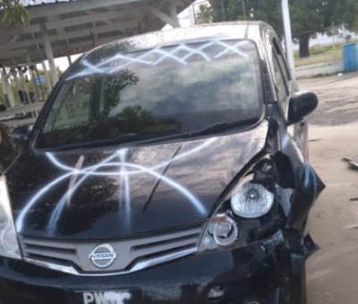 Police comes under fire from 18-Y-O and others in stolen car